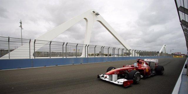 Fernando Alonso Durante Los Libres Del GP Europa. Archivo