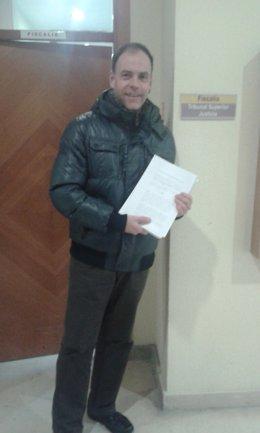 Abad lleva la documentación a la Fiscalía