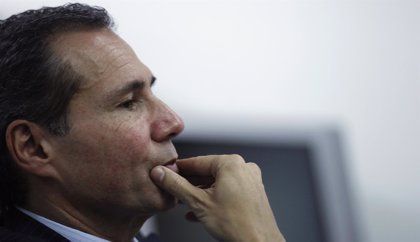 La ex mujer de Nisman recibió una foto en la que el fiscal aparecía señalado