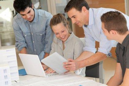 La recompensa de los estudios superiores: mayores sueldos