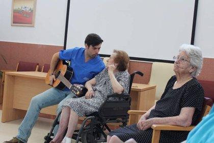 El Programa de Musicoterapia del Sepad llegará en su nueva edición a más centros de mayores de Extremadura