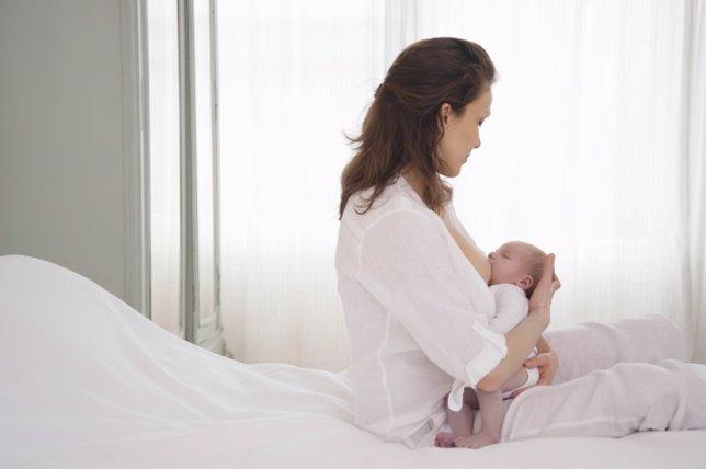 Lactancia, mujer bebé pecho