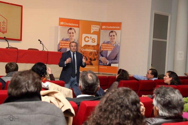 Asamblea de Ciudadanos en Huelva.