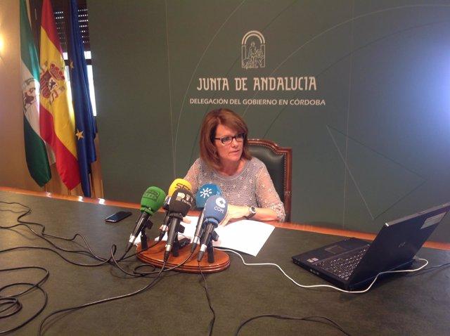 La delegada de Educación, Cultura y Deporte de la Junta, Manuela Gómez