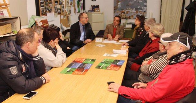 Reunión Calderón con AAVV