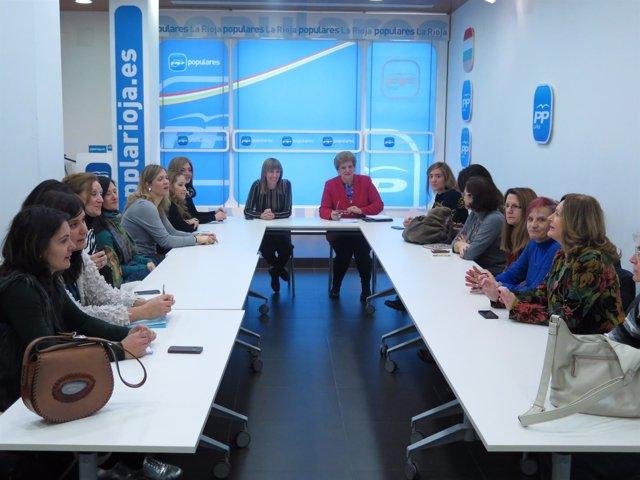 Reunión del PP con mujeres de La Rioja