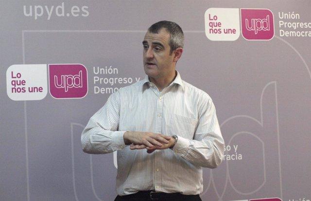 El candidato de UPyD a la Presidencia de la Comunidad, César Nebot