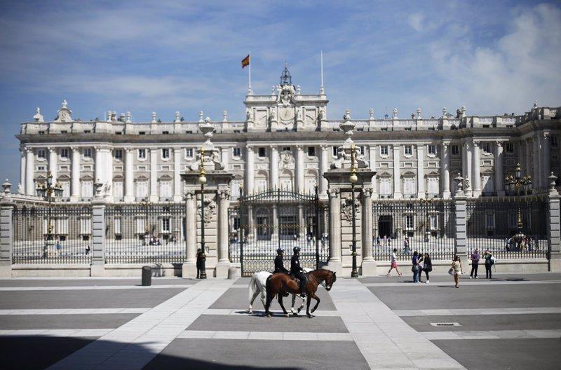 Los siete palacios reales de espa a gestionados por for Arquitectos espanoles actuales