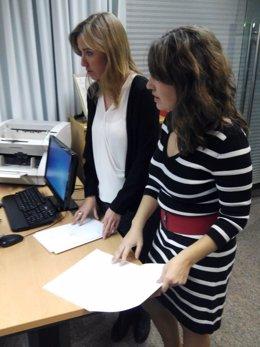 Tania Sánchez registra la entrega de su acta de diputada