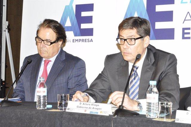 El consejero de Industria, Arturo Aliaga, y el presidente de AFA, Luis Romero.
