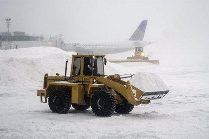El temporal de nieve en el noreste de EEUU obliga a cancelar más de 1.500 vuelos