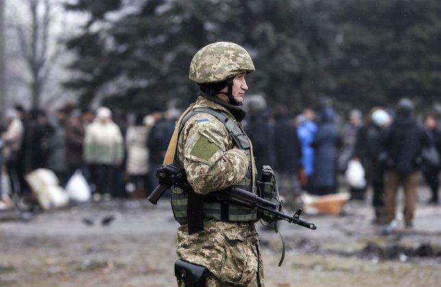 Un soldado ucraniano en Debaltseve