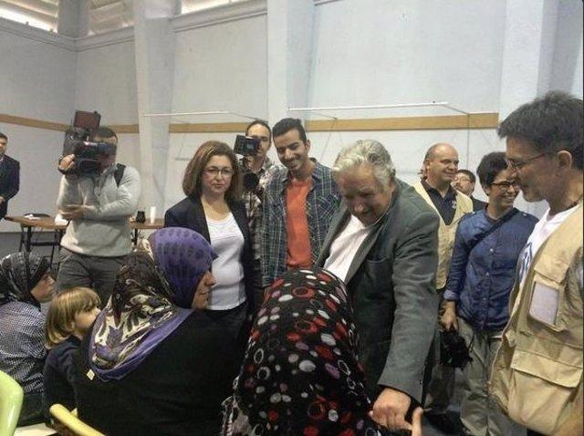 El presidente recibe a los refugiados sirios