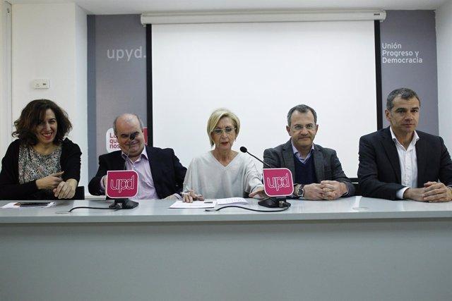 Rosa Díez y los otros cuatro diputados de UPyD