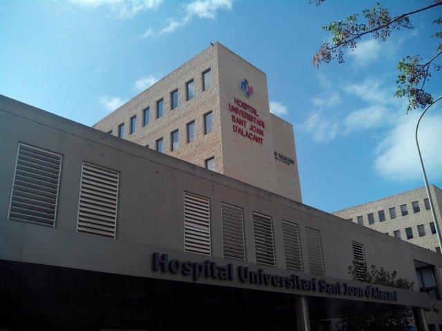 Fachada principal del Hospital de Sant Joan d'Alacant