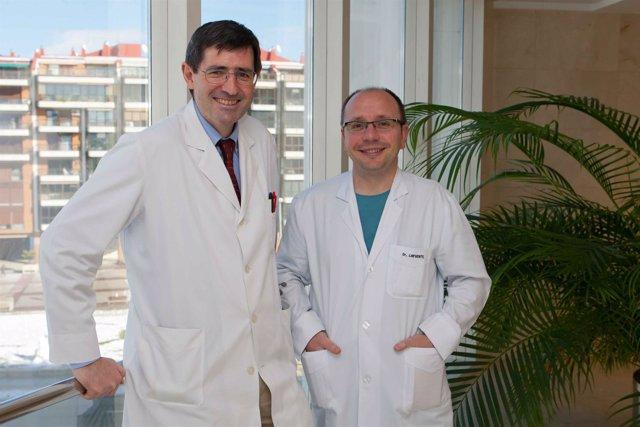 Los doctores Gabriel Gastaminza (Alergología) y Alberto Lafuente (Anestesia)