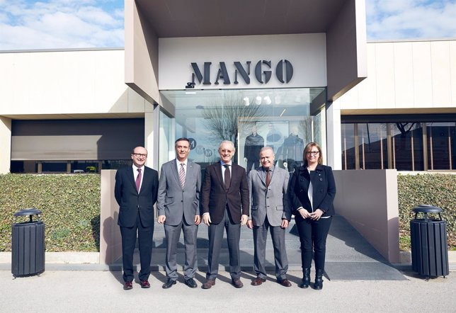Firma de un acuerdo entre Mango y el Ayuntamiento de Lliçà d'Amunt
