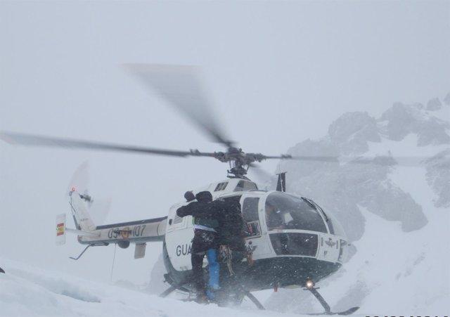Rescate Guardia Civil helicóptero Picos Europa