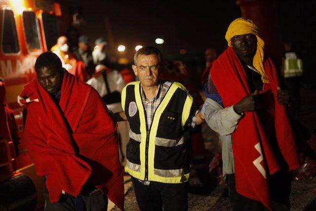 Inmigrantes rescatados en Motril