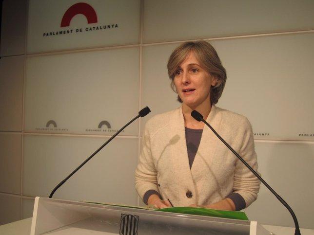 La portavoz de ICV-EUiA, Dolors Camats, en ruede de prensa
