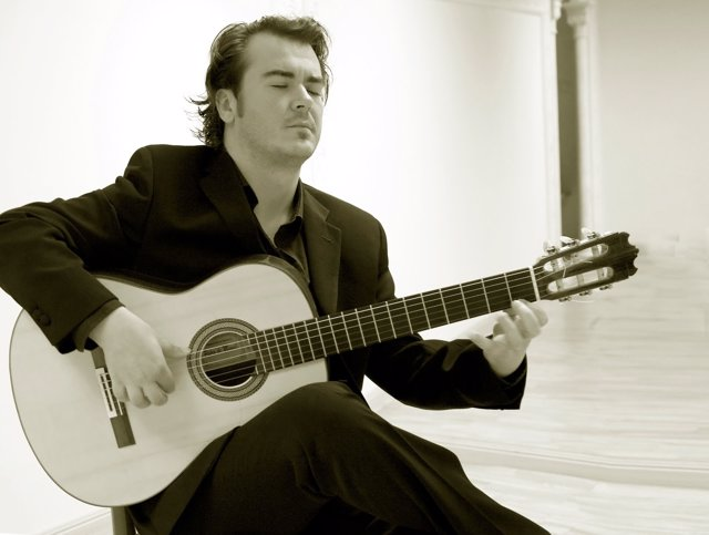 El guitarrista Nacho Estévez estará en concierto en la Sala CAI-Luzán.