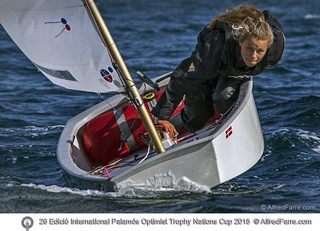 La alemana Deike Bornemann gana el XXVI International Palamós Optimist Trophy-10
