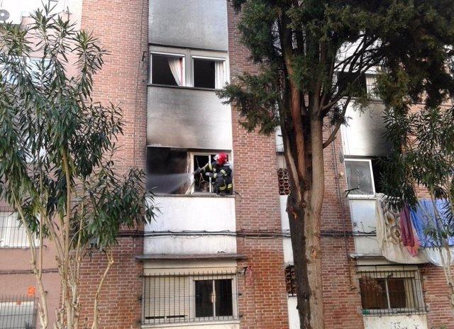 Incendio en calle Carabias
