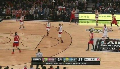 Win Butler de Arcade Fire brilla en el partido de las estrellas del NBA All Star Game
