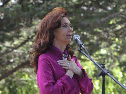 Fernández de Kirchner regresa antes de lo previsto a Buenos Aires