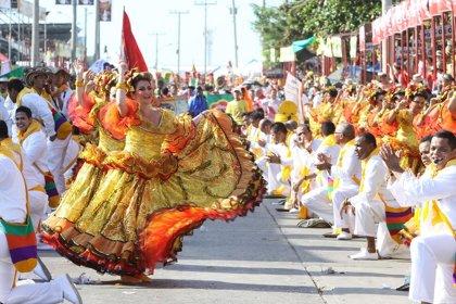 La moda se convierte en arte en el carnaval de Barranquilla, Colombia