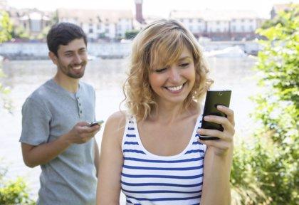 WhatsApp y Line en la vida en pareja