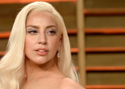 Lady Gaga anuncia su compromiso con el actor Taylor Kinney