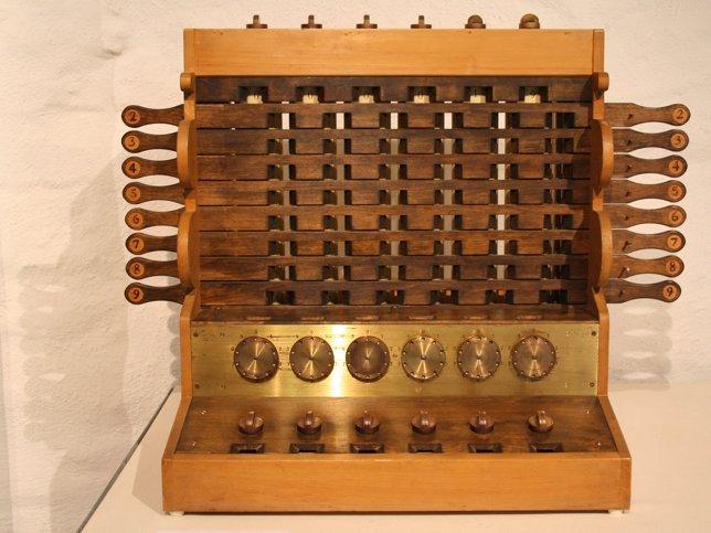 Cuál es el origen y la evolución de la calculadora?