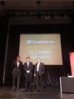 Albert Rivera junto a los economistas Luis Garicano y Manuel Conthe