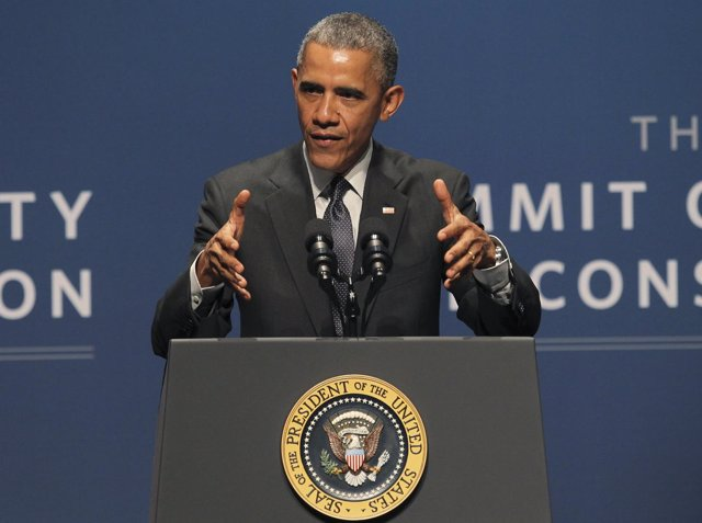 U.S. President Obama speaks at the White House summit on cybersecurity and consu