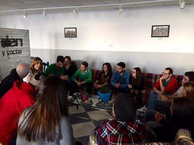 Susana Díaz con representantes de los estudiantes de la Universidad de Almería