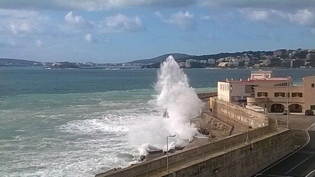 Oleaje en el puerto de Palma, temporal