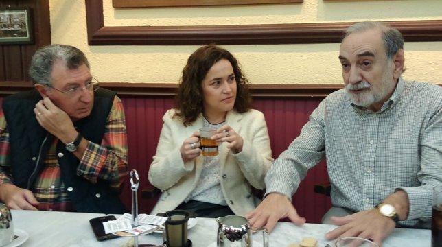 Arraiz con exalcaldes del PSOE
