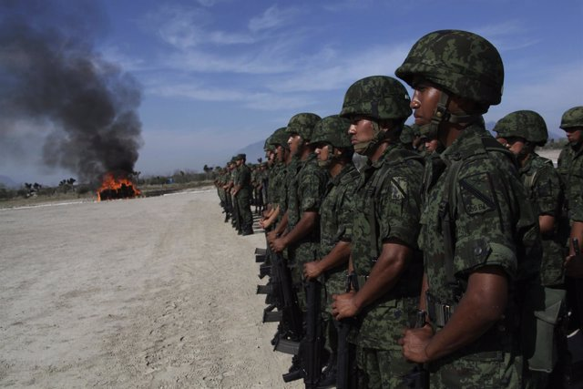 Militares mexicanos