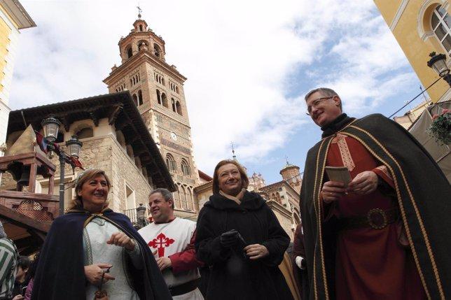 Rudi (Centro) en 'Las bodas de Isabel de Segura'.