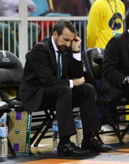 El entrenador del Unicaja de Málaga, Joan Plaza