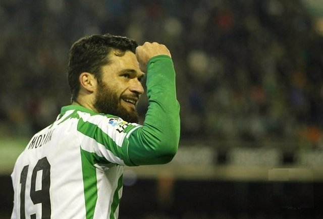 Jorge Molina celebra el primer gol del Betis ante el Girona