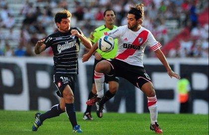 River deja escapar el triunfo y empata 2-2 con Quilmes