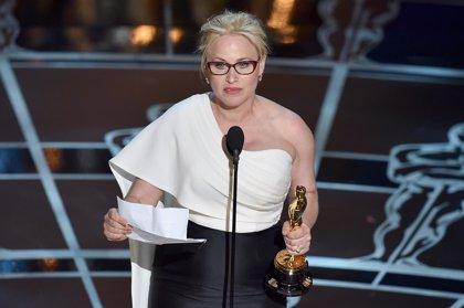 Patricia Arquette consigue su primer Oscar por 'Boyhood'