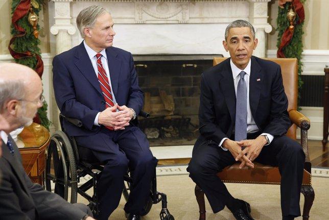 Greg Abbott, gobernador de Texas y Barack Obama