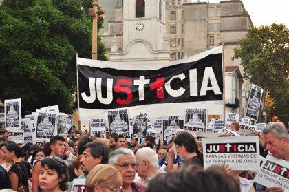 Tragedia de Once en Buenos Aires: Cientos de personas reclaman justicia