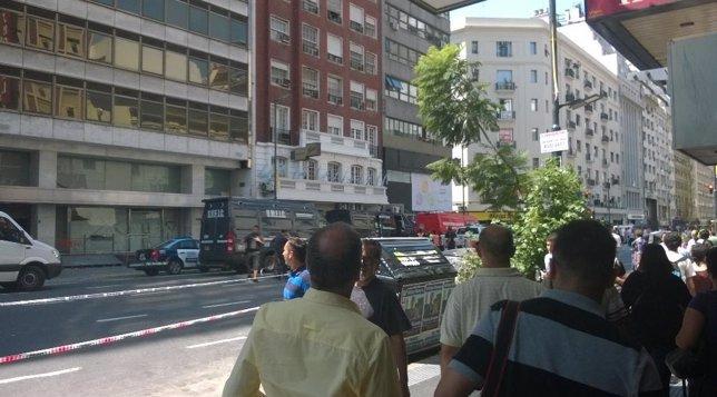 Explota una cámara eléctrica en el centro de Buenos Aires