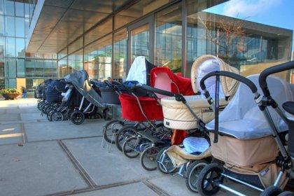 Los complementos necesarios en las sillas de paseo y carritos de bebé