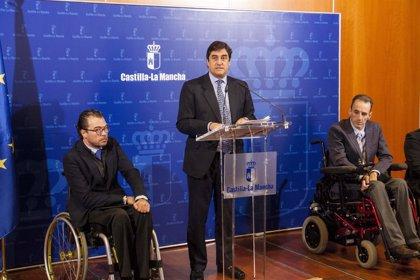 """Echániz dice que el CISNS abordará """"con profusión"""" la financiación de tratamientos contra hepatitis C"""