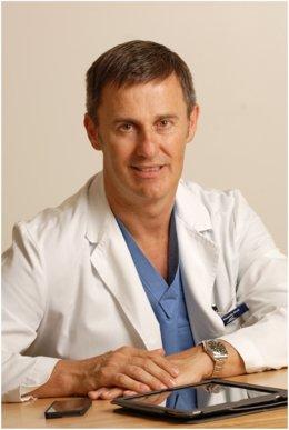 Ricardo Ruiz, director de la Clínica Dermatológica Internacional